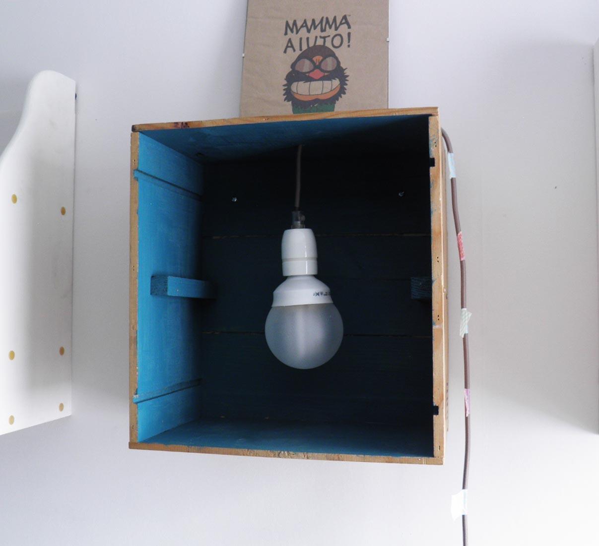 Lampade creative con cassette di legno 17 idee for Ikea cassette legno