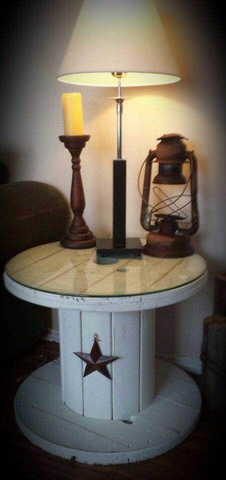 riciclare le bobine dei cavi elettrici per arredare casa. Black Bedroom Furniture Sets. Home Design Ideas