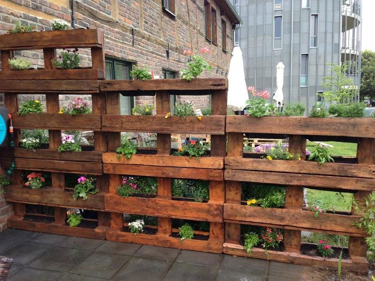 decorating your garden so original with pallets idea 13