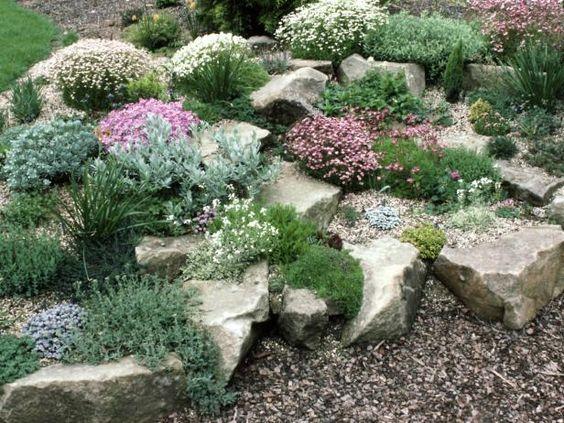 Realizzare un giardino roccioso 20 esempi bellissimi video - Idee giardino in pendenza ...