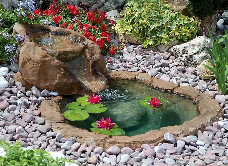 Una piccola oasi in giardino 20 idee stupende tutorial for Cascate per laghetti da giardino