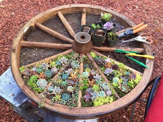 Riciclo creativo per decorare il giardino