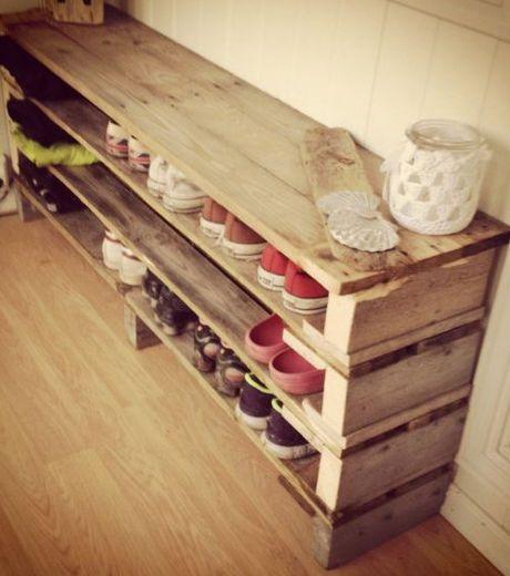 dressing e scarpiera fai da te con pallet 12 idee da vedere. Black Bedroom Furniture Sets. Home Design Ideas