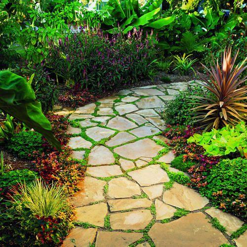 Un vialetto di pietra in giardino 20 esempi a cui - Vialetti da giardino ...