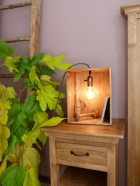 Lampade creative con cassette di legno 17 idee for Idee design fai da te