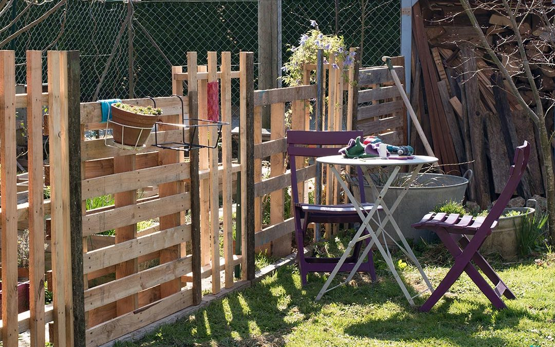 DIY wood fence with pallets! 20 examples + VIDEO
