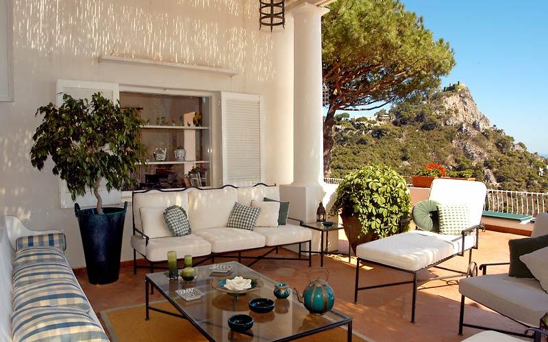 Arredare il terrazzo e il balcone ecco 10 stili a cui for Terrazze arredate