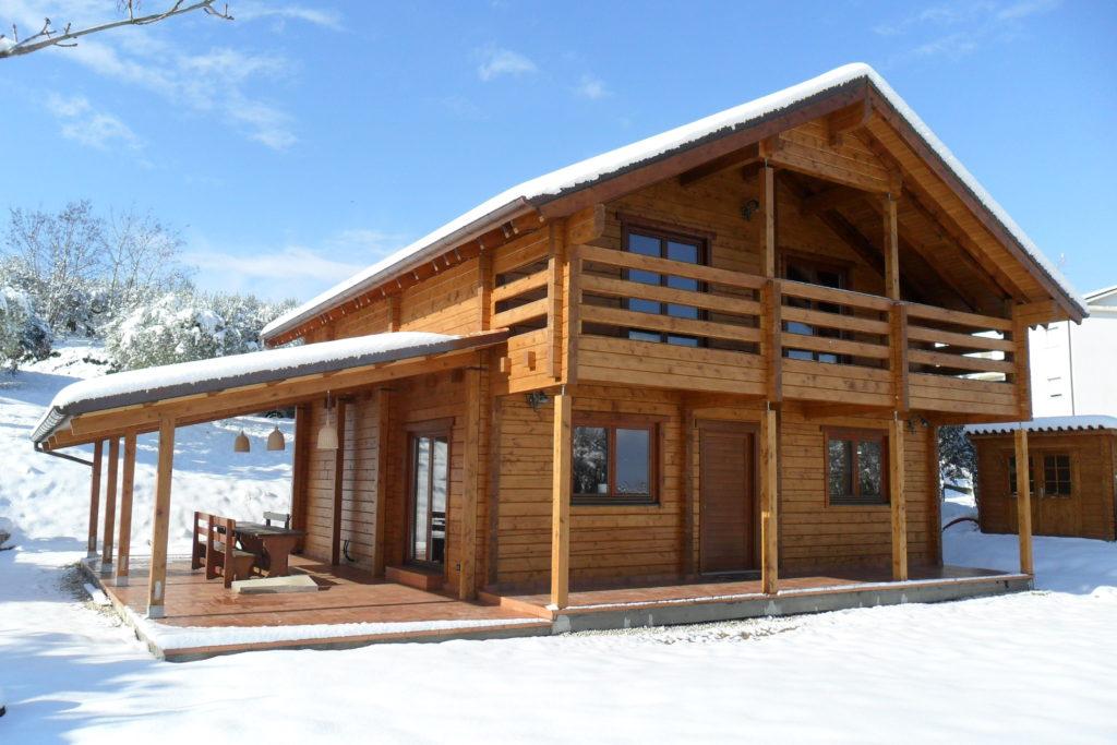 Una casa in legno un scelta di design durevole ed - Casa autosufficiente ecologica ...