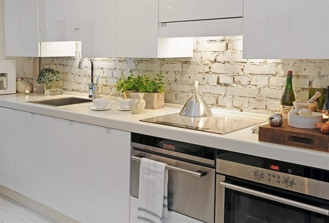Decorations with white brick in the kitchen idea 20