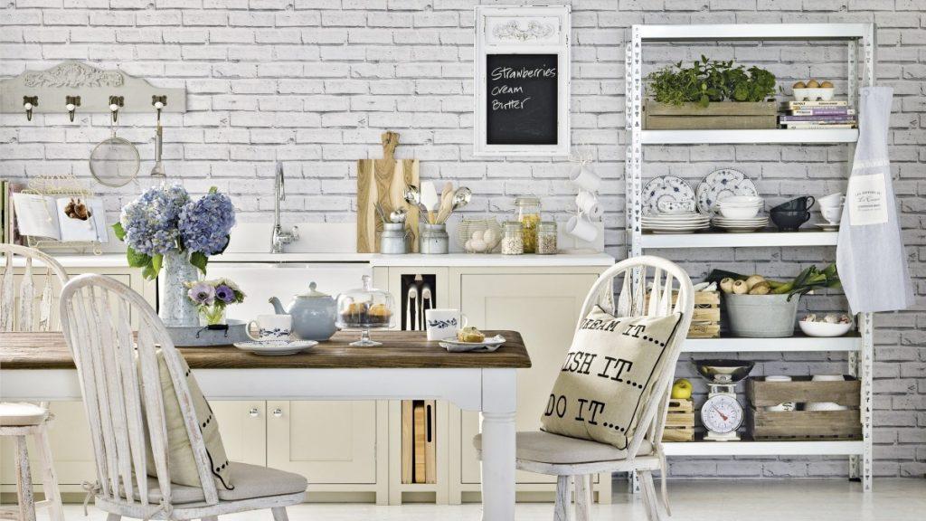 Mattoni a vista bianchi in cucina