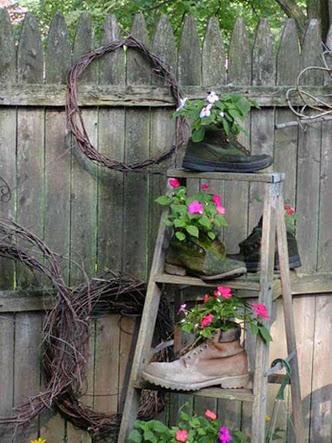 Una vecchia scala per decorare in giardino 20 idee a cui for Idea per giardino