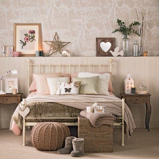 decorare ai piedi del letto