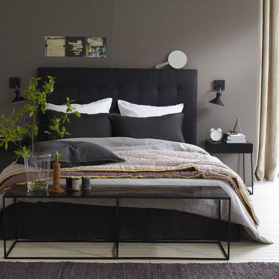 decorare ai piedi del letto 20 idee bellissime a cui. Black Bedroom Furniture Sets. Home Design Ideas