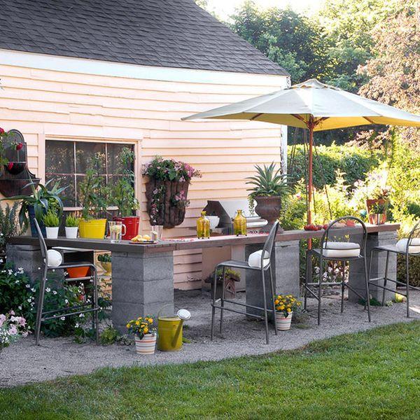 decorare il giardino con dei blocchi di cemento