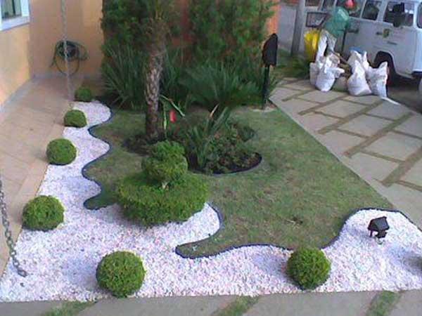 Decorare con i sassolini in giardino 20 idee creative a for Decorazioni giardino con sassi