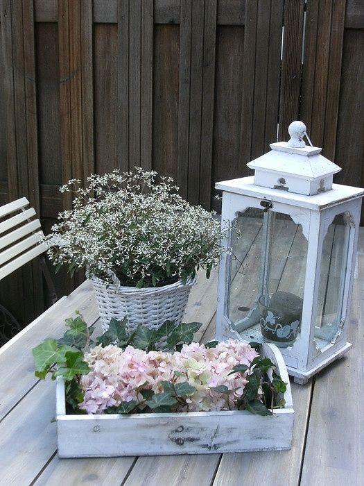 Decorare il giardino in stile shabby chic 20 idee per for Giardino shabby chic fai da te