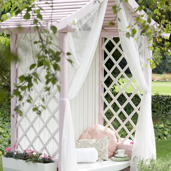 Decorare il giardino in stile Shabby Chic
