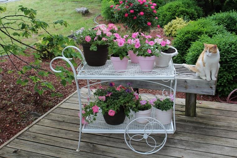 Decorare il giardino in stile shabby chic 20 idee per - Giardino shabby ...
