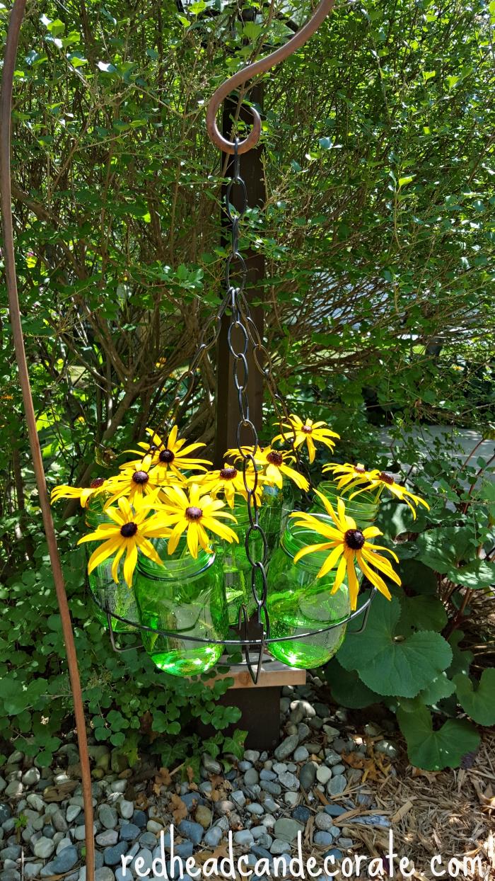 Decorazioni primaverili con barattoli di vetro riciclati ...