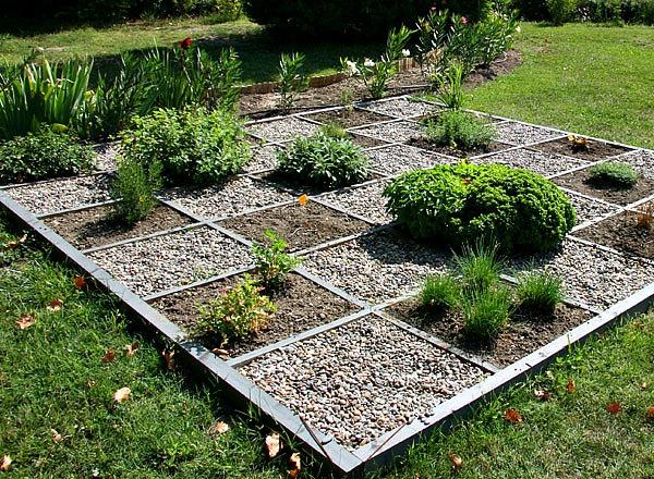 crear un ngulo original de hierbas en el jardn u idea