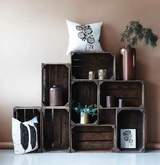 un mobile design con le cassette di legno 20 idee da cui trarre ispirazione. Black Bedroom Furniture Sets. Home Design Ideas