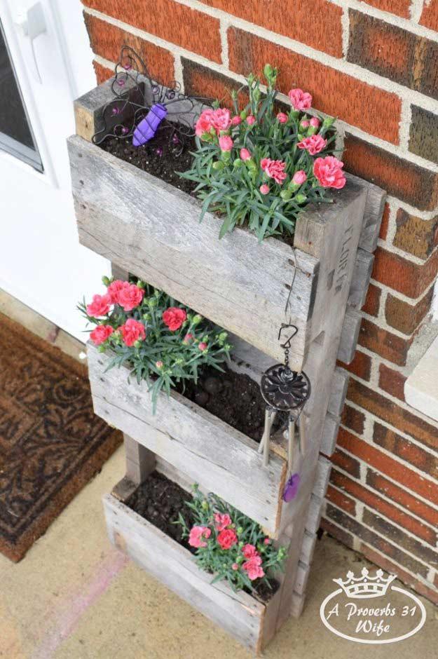 Realizzare un vaso di fiori con i bancali 20 bellissime for Pallet fai da te