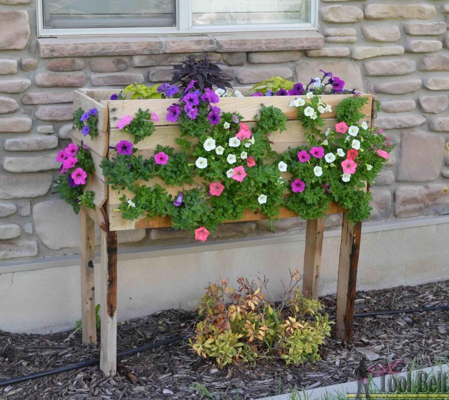 Top Realizzare un vaso di fiori con i bancali! 20 bellissime idee fai  IM57