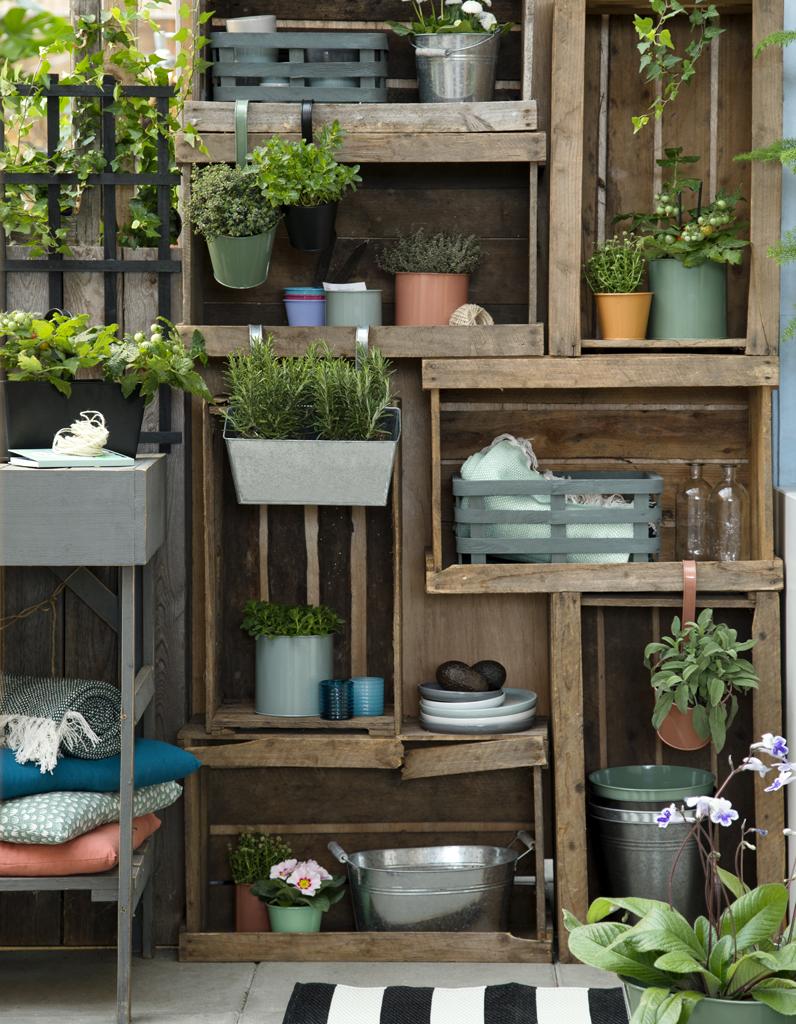 Composizioni con piante e cassette di legno 20 bellissime for Balcon amenagement pas cher