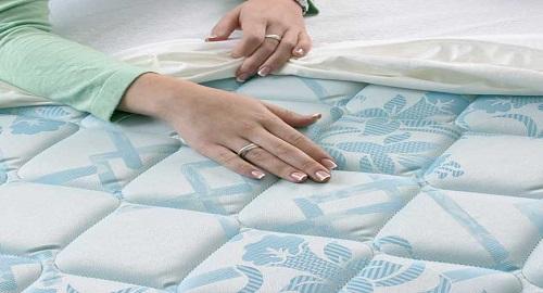 Pulire materassi e cuscini in modo efficace e low cost! Basta seguire...