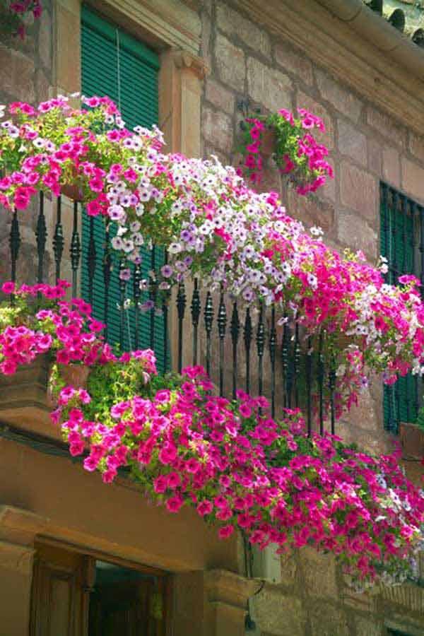 Favoloso Decorare il balcone con i fiori! 20 bellissimi esempi per ispirarvi YD44