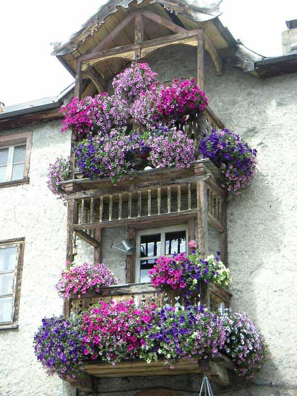 Favoloso Decorare il balcone con i fiori! 20 bellissimi esempi per ispirarvi VK39
