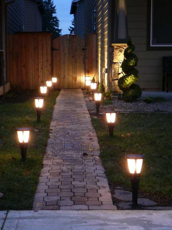 Illuminare il vialetto in giardino