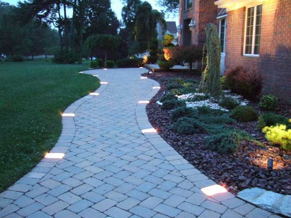 Illuminare il vialetto in giardino bellissime idee a cui