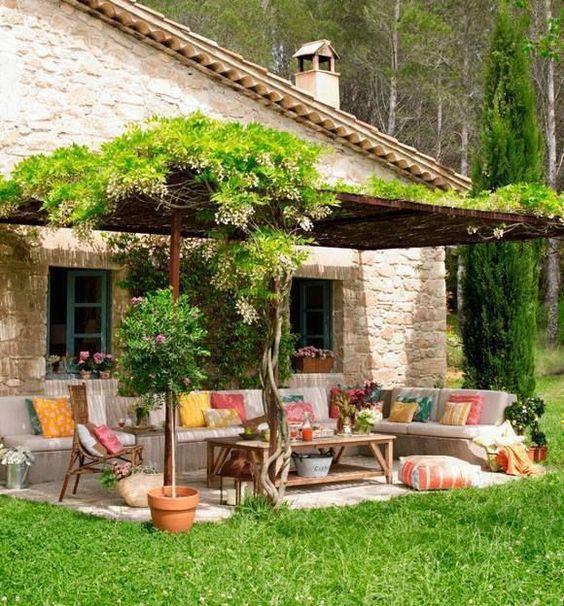 Un pergolato con le piante rampicanti le 10 piante le pi for Jardines exteriores de casas de campo