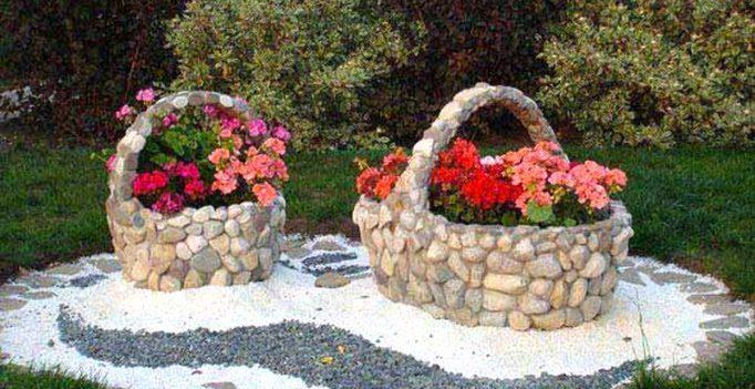 Arredare il giardino con pietre e sassi 20 idee per for Sassi finti per giardini