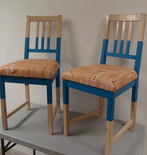 sedie ikea stefan personalizzate con vernice e cuscini.
