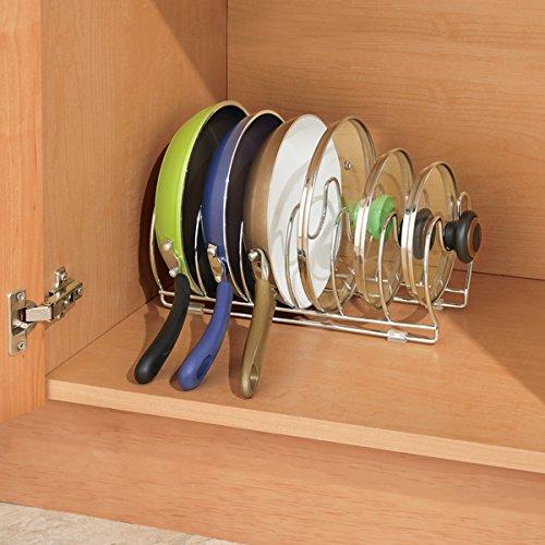 Accessori salvaspazio per una piccola cucina ecco 20 idee - Porta coperchi ...