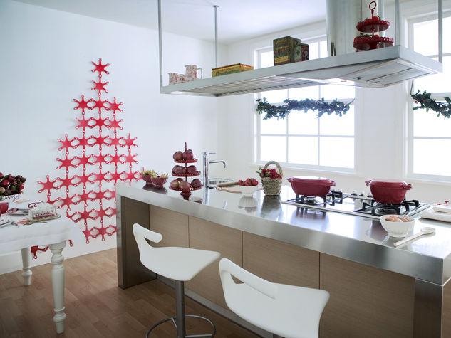 Una decorazione natalizia in cucina ecco 20 idee per - Decorare una parete di casa ...
