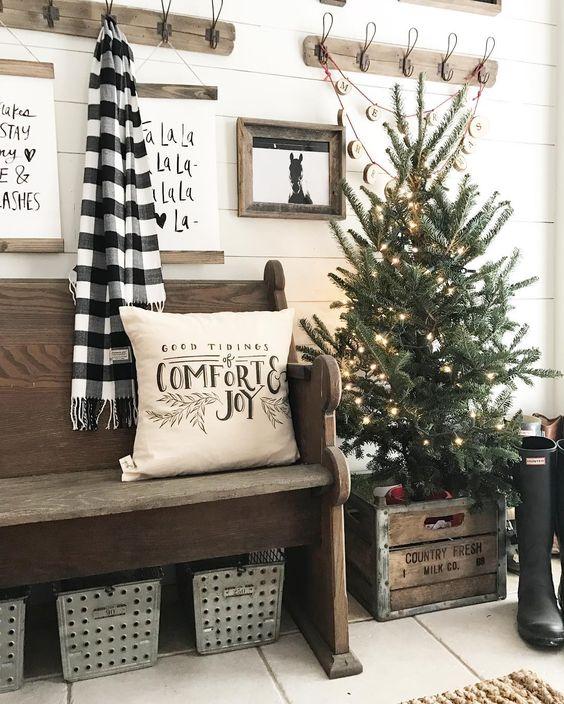 Decorazioni natalizie con cassette di legno