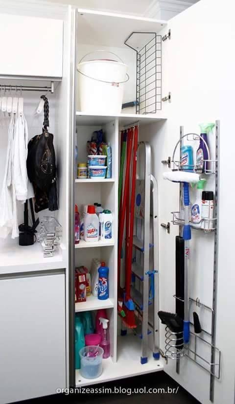 Organizzare il ripostiglio dei prodotti per le pulizie