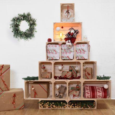 un albero di natale con le cassette di legno 11 idee a cui ispirarsi. Black Bedroom Furniture Sets. Home Design Ideas