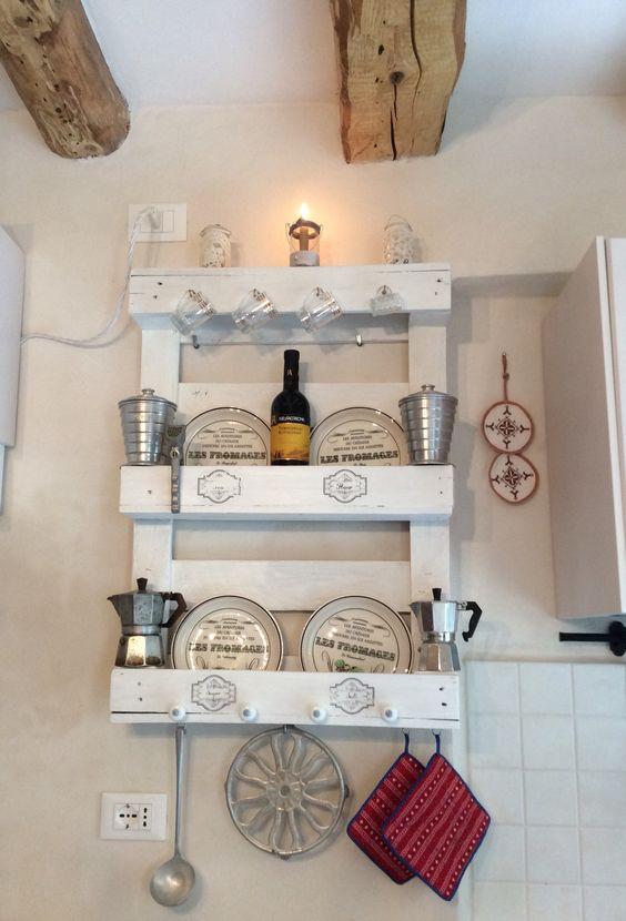 Riciclare dei bancali per arredare la cucina ecco 15 idee for Mobili wooden art