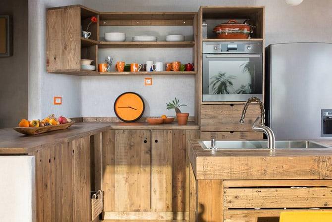 Riciclare dei bancali per arredare la cucina! Ecco 15 idee creative...
