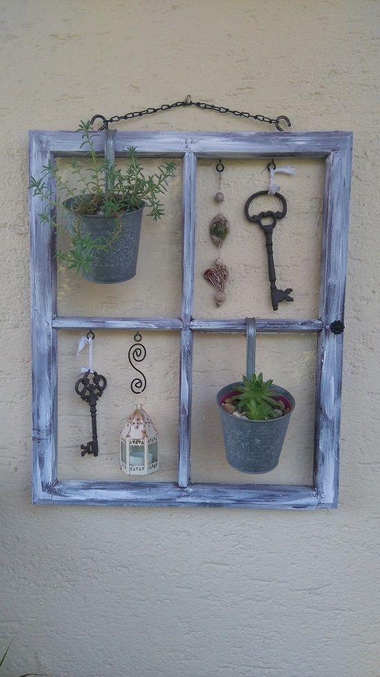 decorare con una vecchia finestra 20 modi creativi per ispirarvi. Black Bedroom Furniture Sets. Home Design Ideas