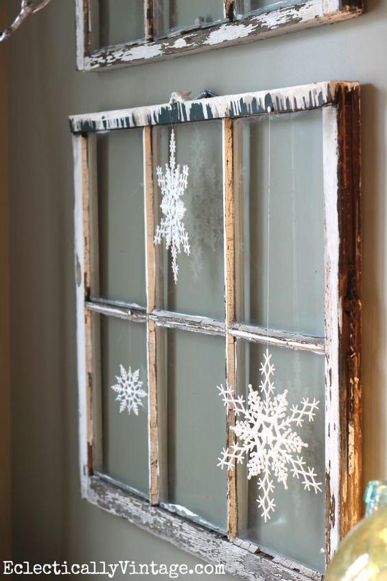Decorare con una vecchia finestra 20 modi creativi per for Finestra vecchia