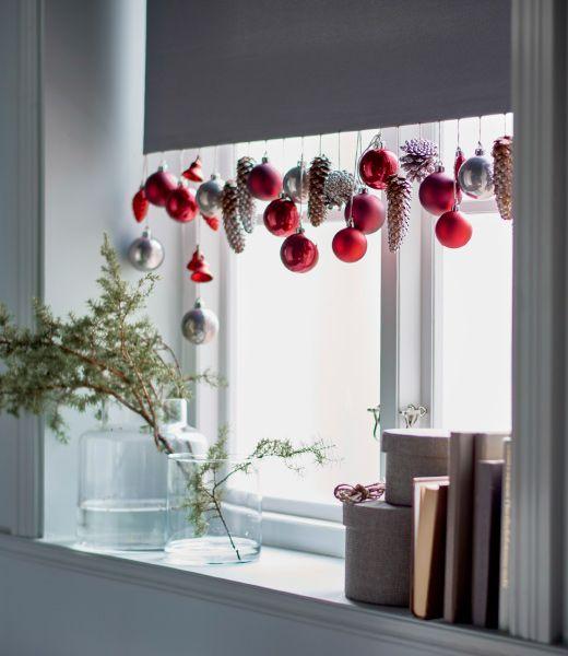 Decorare le finestre per Natale