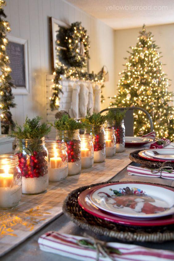 Composizioni natalizie fai da te per la tavola.