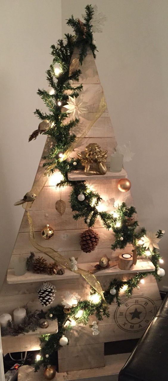 Albero Di Natale In Legno.Un Albero Di Natale In Legno Eccone 15 Bellissimi Ispiratevi