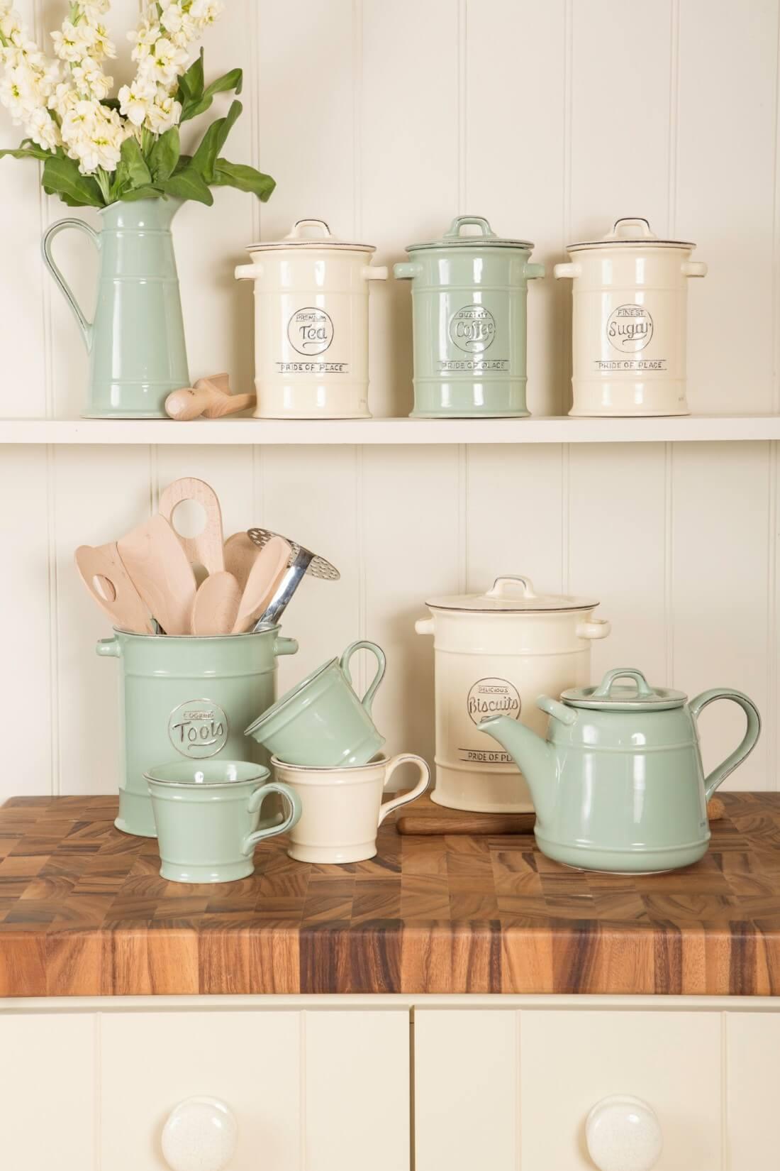 Una cucina stile vintage date un 39 occhiata a queste 20 for Casa in stile scandole