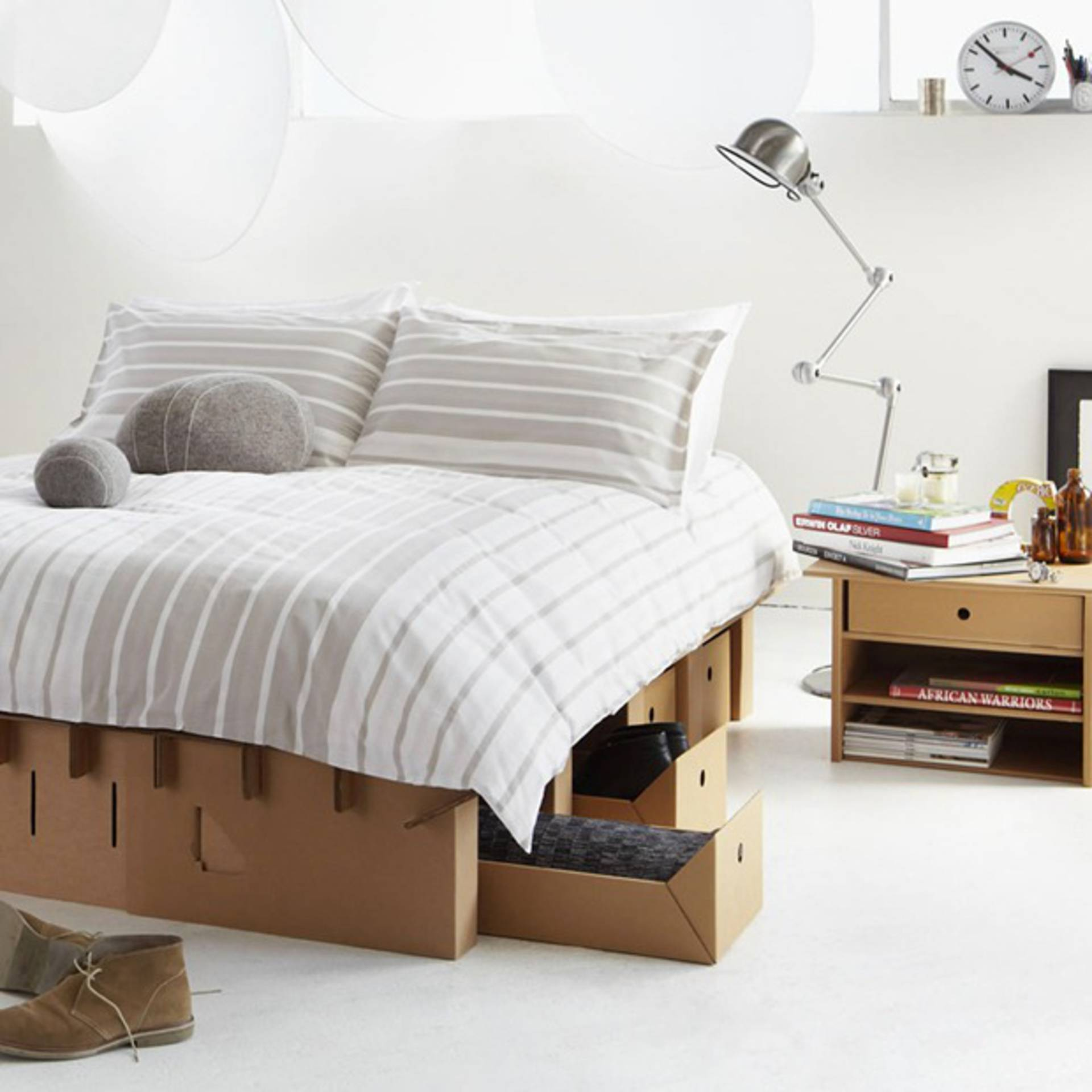 Recycle the cardboard to decorate the House! Here are 15 ideas to ...